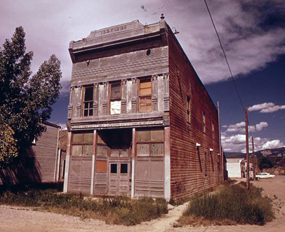 rifle-colorado-odd_fellows_hall_in_de_beque-_de_beque_like_other_small_towns_in_the_piceance_basin_is_barely_maintaining_itself-_-_nara_-_552681