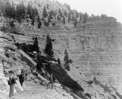 rifle-vast-body-of-oil-shale-ca-1910
