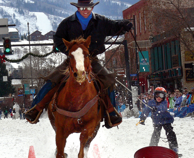 steamboat-springs-winter-carnival_horse__skier_ring_toss